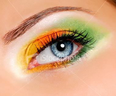 ist2_5013258-ceremonial-make-up